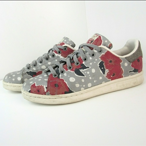 uk availability 415eb 28728 Floral Adidas Sneakers Stan Smith